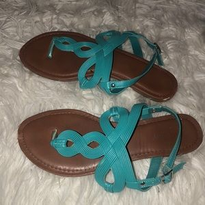 Stylish turquoise sandals!